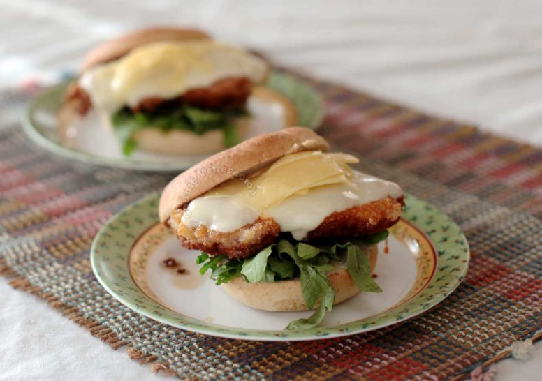 Details of the Filling of Cheesy Fried Chicken Sandwich