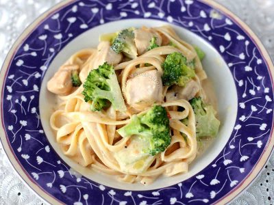 Chicken broccoli pasta with cream sauce