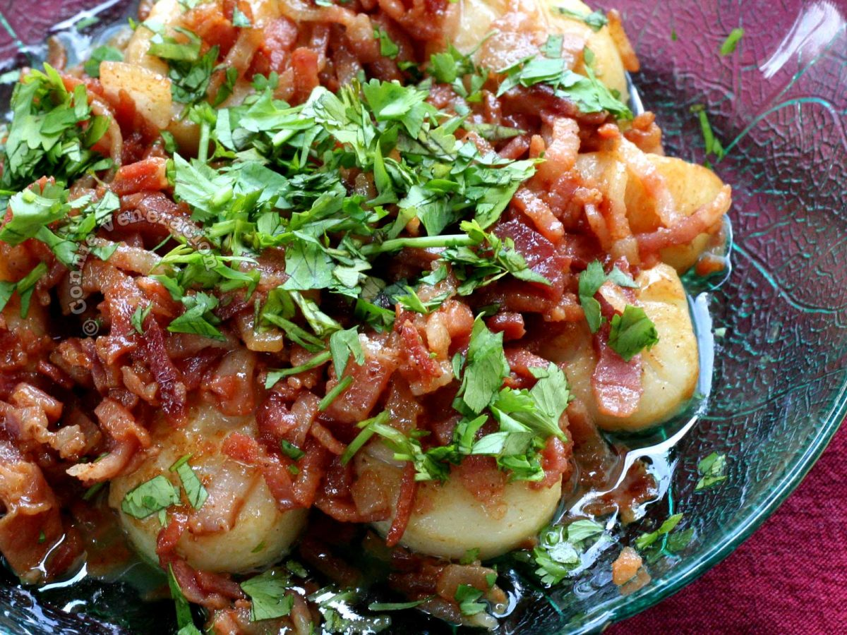 Easy Pan-fried Scallops with Bacon Garnished with Parsley