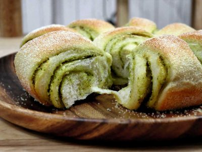 Cheese and Pesto Bread Rolls