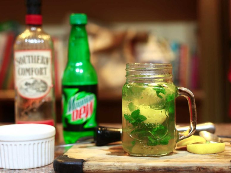 Southern Comfort and Mountain Dew Cocktail in Mason Jar