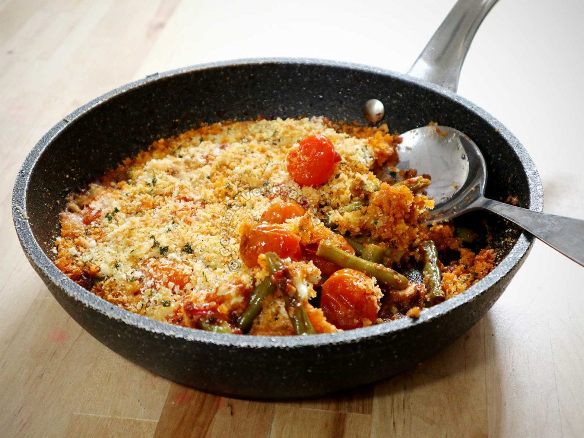Baked Green Beans and Cherry Tomatoes