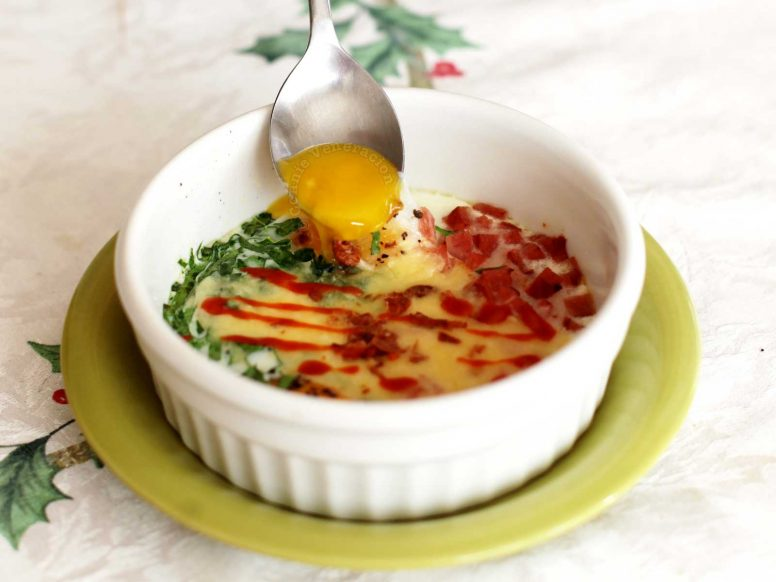 Baked eggs, ham and cheese