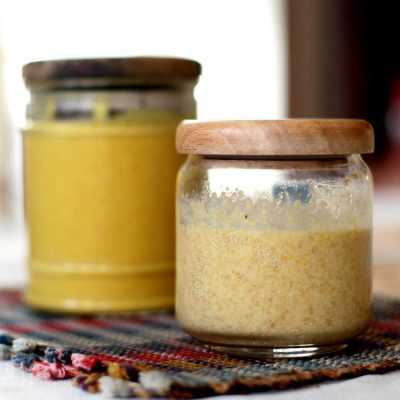 Homemade mustard sauce: smooth and grainy versions