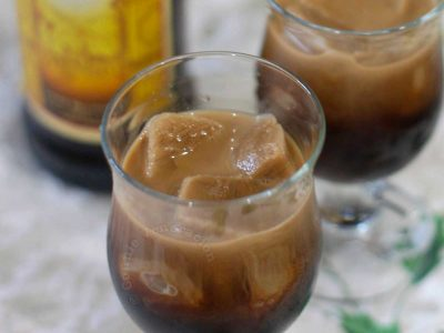 Frozen coffee cubes and Kahlua in glasses