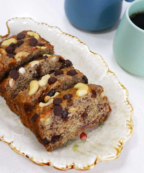 Banana bread (it's a cake) with cachew nuts and chocolate morsels
